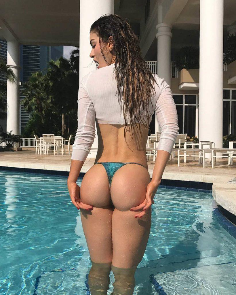 Anllela-Sagra-fit-booty