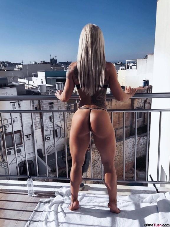 Caroline-Aspenskog-amazing-fit-booty