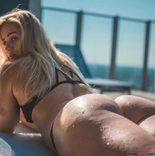 Dani-Speegle-bikini-booty