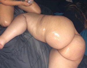 Full_xMoon-massive-white-girl-booty