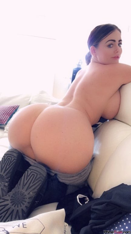 Sophie-Dee-thick-booty