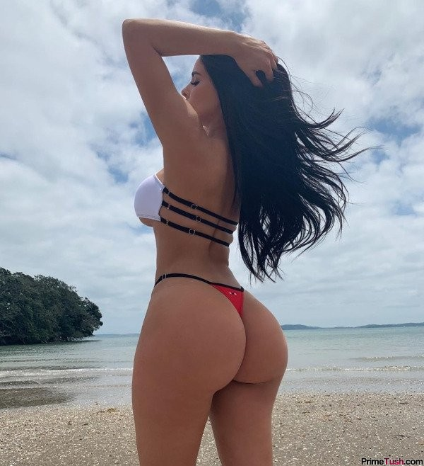 beach-booty-02