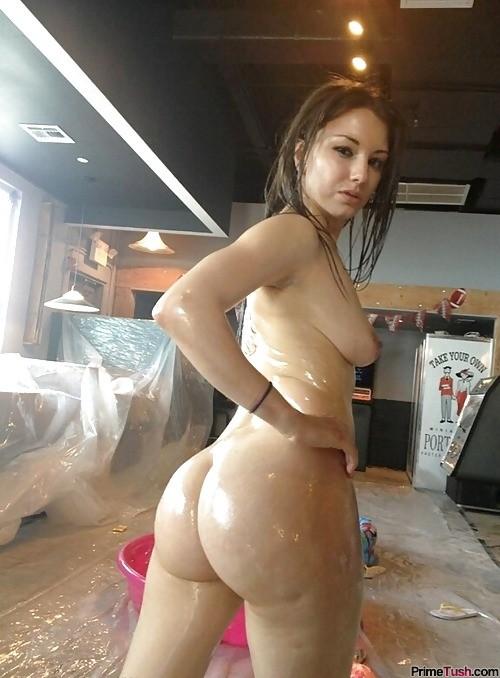 big-ass-girl-oiled-up