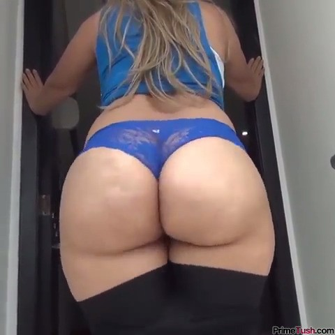big-booty-boyshorts-shake