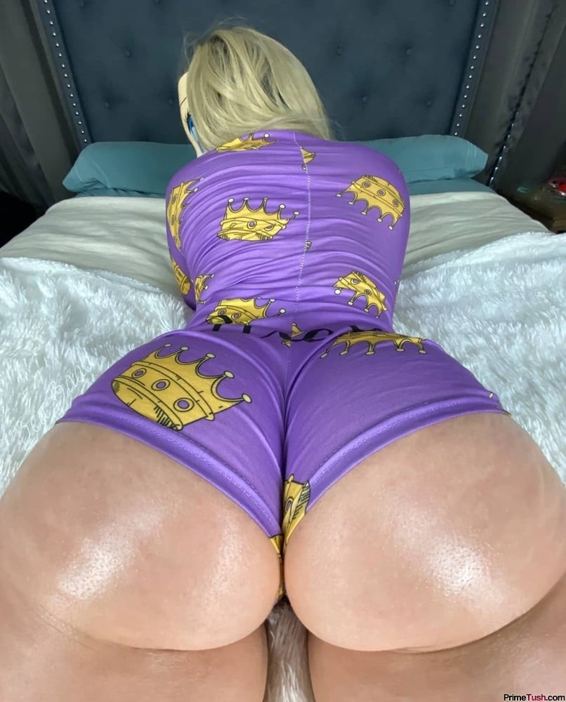 blonde-big-ass