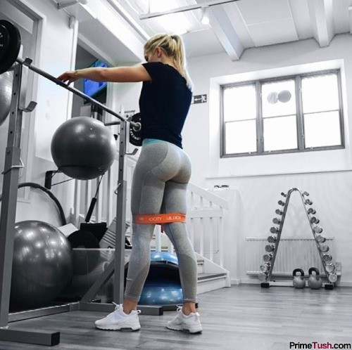 fit-girl-booty