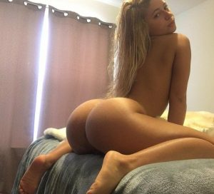 hot-big-booty-blonde