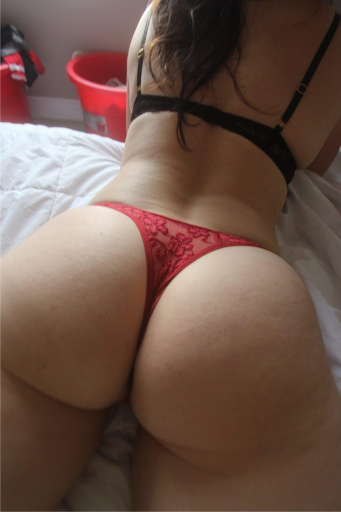 juicy-round-bubble-butt-thong