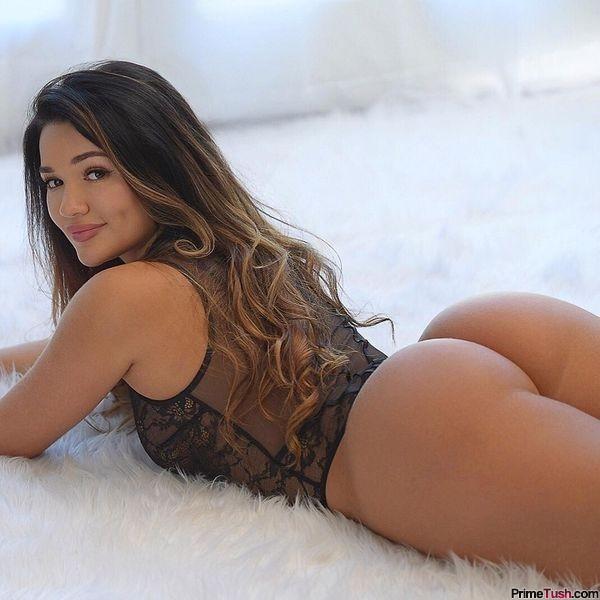 latina-thick-legs