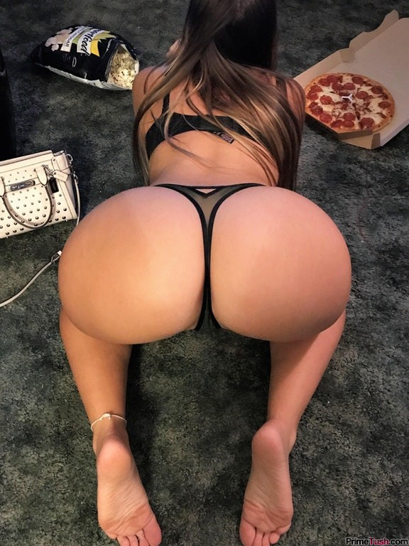 pawg-rearview-thong-panties