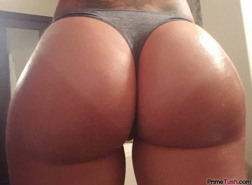 pawg-tan-lines