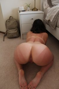 PAWG Presenting Her Tan Lines