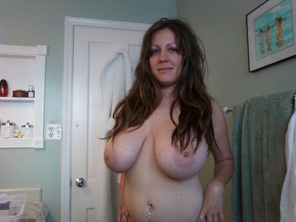 sexy-chubby-mom-big-boobs