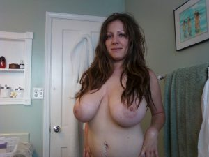 sexy-chubby-mom-big-boobs