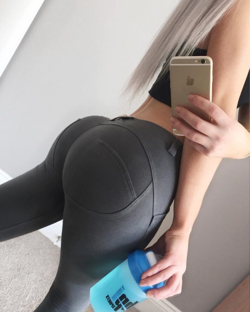 sexy-hot-ass-in-yoga-pants