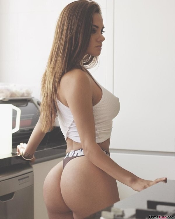 sexy-round-ass-in-a-thong