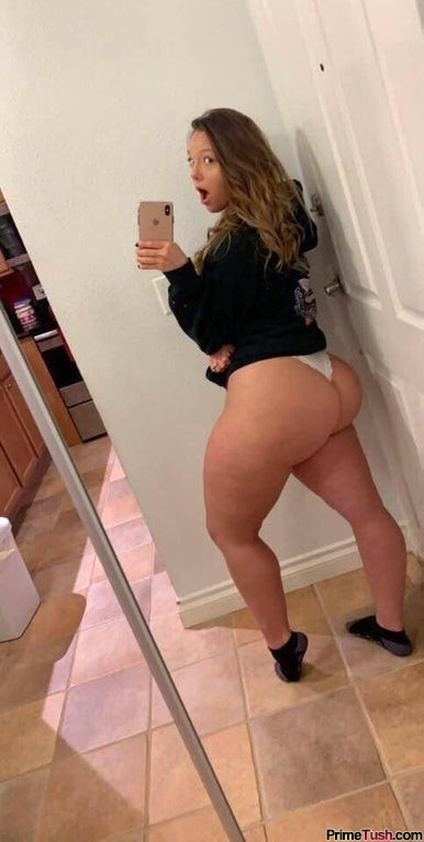 thick-thighs-big-booty